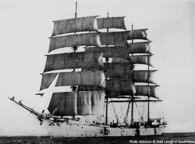 The Barque, Archibald Russell, first to greet the Aurora